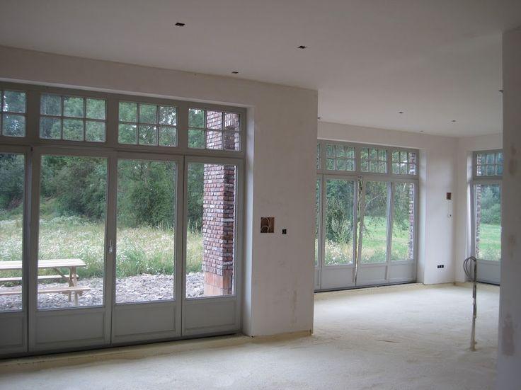 Veel ramen en licht binnen.