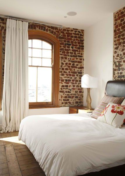 Best 25 old brick wall ideas on pinterest brick wall for Bedroom w brick wall