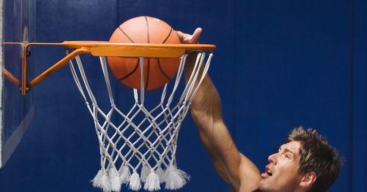 Padrões de tamanho para uma tabela de basquete. A tabela de basquete é uma placa levantada na vertical, geralmente composta de fibra de vidro. Ela é retangular e possui um aro em sua estrutura.