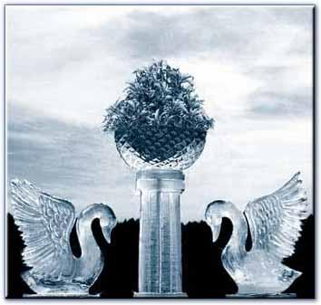 Wedding ice sculpture of swans   Winter Wedding   Ice ...