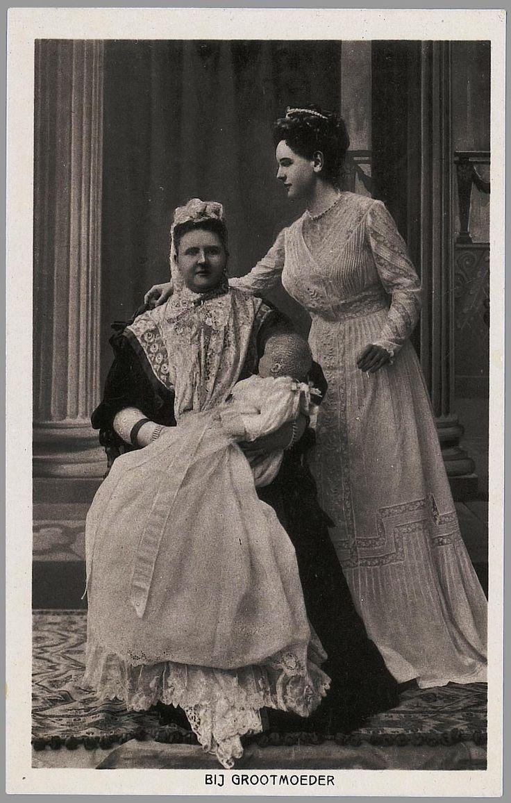 Gemonteerde foto van koningin-moeder Emma, koningin Wilhelmina en prinses Juliana 1909