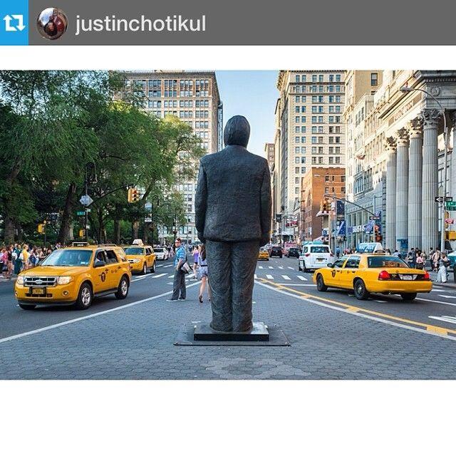 Sculpture in UnSq NYC