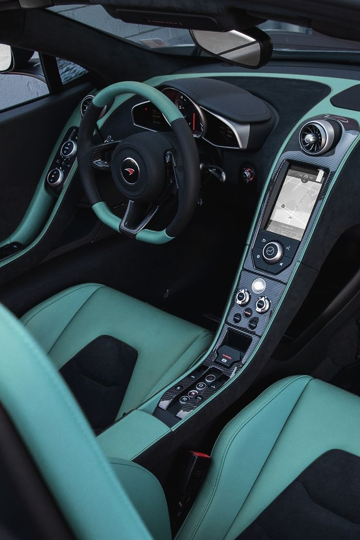 vistale:  Mint McLaren 12C | via