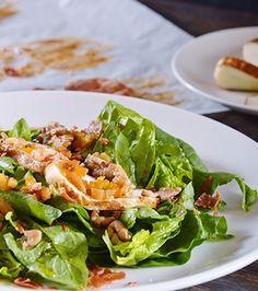 Σαλάτα σπανάκι με χαλούμι και σάλτσα από αποξηραμένα φρούτα | Γιάννης Λουκάκος