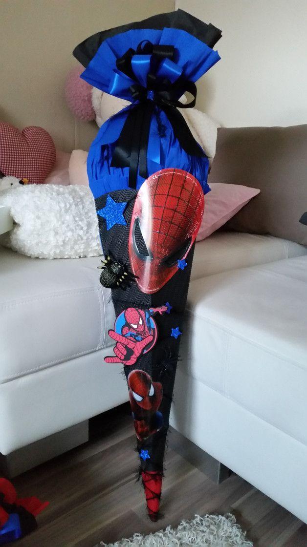 Xl Schultute Junge Mit Spinne Im Spiderman Stil Etsy Schultuten Jungs Schultute Basteln Schultute