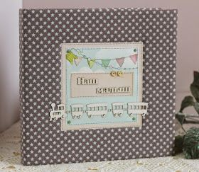 Фотоальбом для малыша, оформлен частично,   с разделами для заполнения о развитии малыша