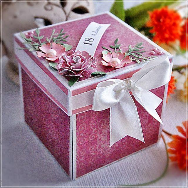 Pudełko i kartka - prezent na 18-tkę.