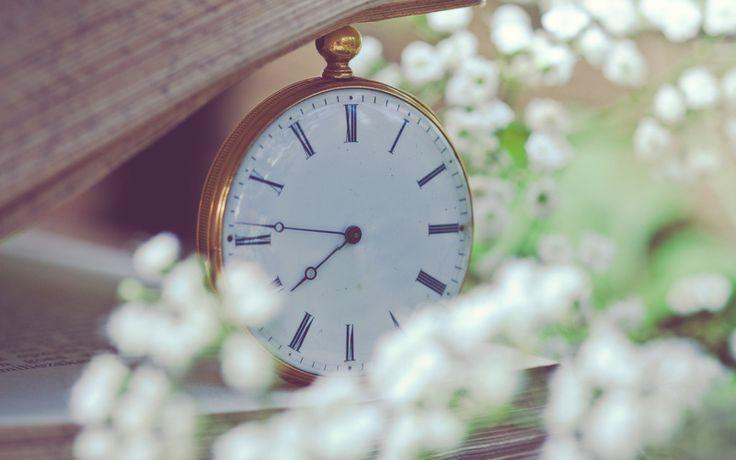 страницы, Часы, карманные, белые, цветы, мелкие, книга