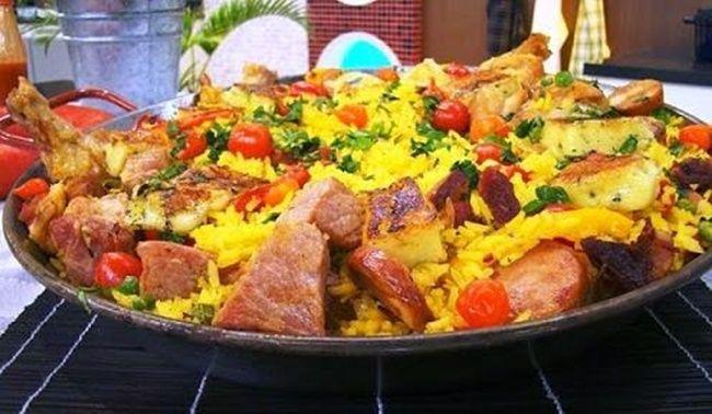 Receita de Paella Caipira em ou paelha é um prato à base de arroz, típico da gastronomia espanhola e que tem as suas raízes na comunidade de Valência.