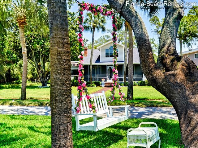 The Waterside Cottage House Is Part Of A Private Estate It Located On Prestigious And Historic Victoria Drive In Delightful Dunedin Florida