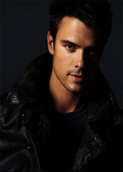 my man lol mr josh duhamel...love his hair and his characters =]