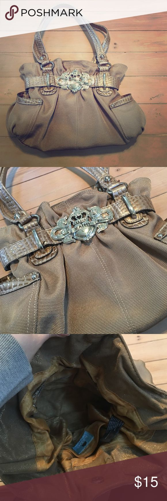 Kathy Van Zeeland Purse 👛 Kathy Van Zeeland Purse 👛 Neutral Color 💕 Magnetic closure 💕 Make an offer!! Kathy Van Zeeland Bags