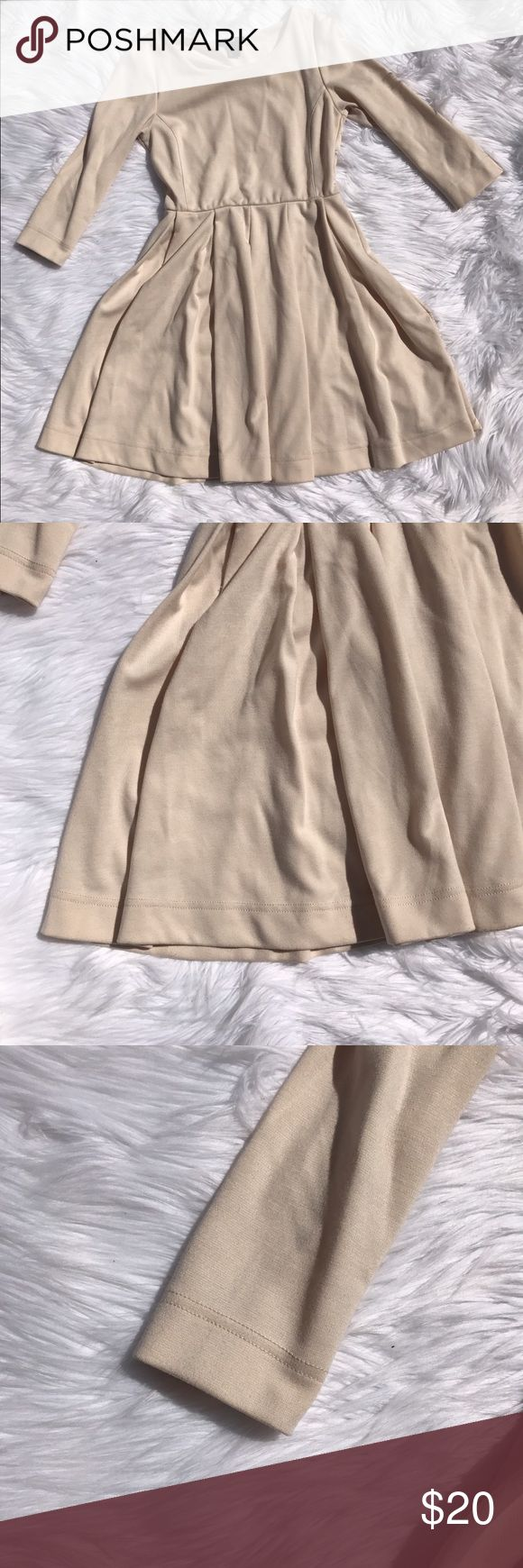 "H&M Empire Waist 3/4 Sleeve Beige Dress Size Small H&M Empire Waist 3/4 Sleeve Women's Beige Cream Dress Size Small  Gently used, please see photos for details!  Armpit to armpit - 15.5"" Length - 33.5"" H&M Dresses Midi"