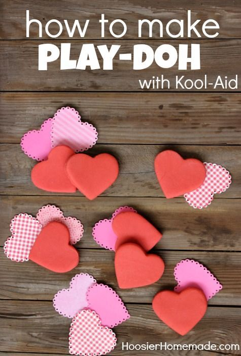 Valentine's Day Classroom Gifts: How to make Kool-Aid Play-Doh #recipe #tutorial
