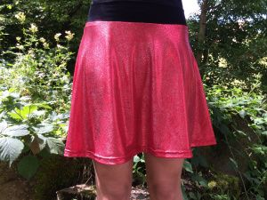 glänzender stoff jupe skirt shiny red fabric - easy sew