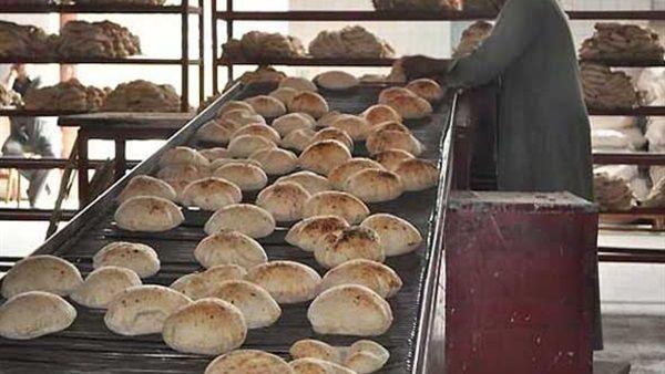 تفاصيل مشكلة الكارت الذهبي ونص قرار  وزير التموين بتخفيض كميات الخبز الموجهة له