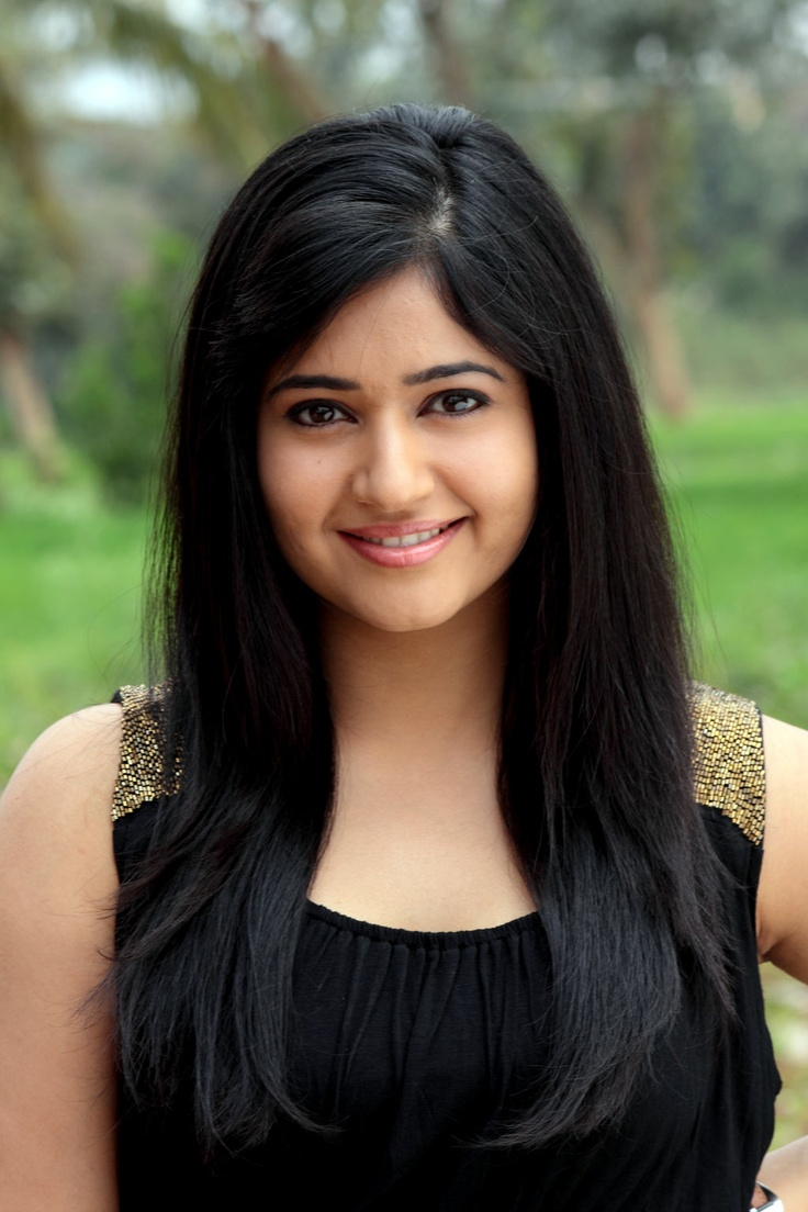 Latest Poonam Bajwa Photos