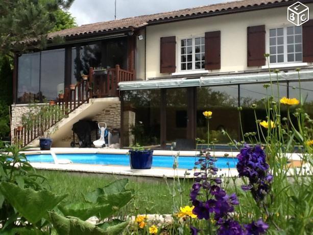 Maison / Villa à vendre à Champcevinel 6 pièces 200m² vente entre particuliers