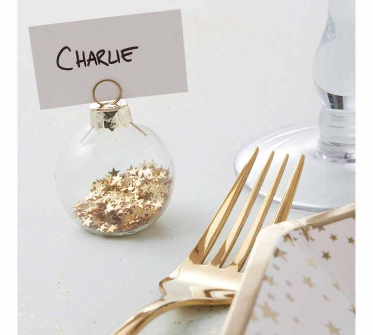 Instead of the conventional place holders where you just use the printed name, go all out and embrace your wedding theme with these gold star bauble place card holders. Weddings around the Christmas period are the perfect home for these unique decorations and they are so stylish your guests may even choose to take theirs home with them.