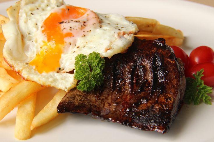 V kuchyni vždy otevřeno ...: Biftek chudých s volským okem