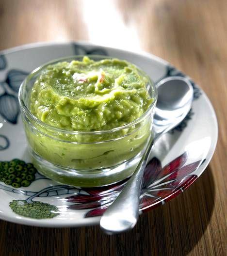 Avokadosta itsetehty guacamole on terveellinen vaihtoehto texmex-ruokiin.