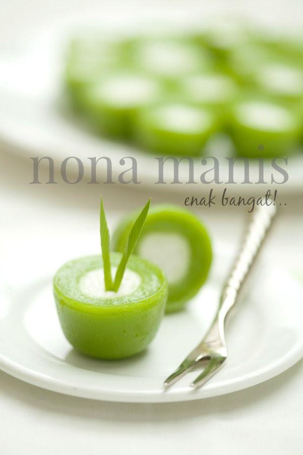 masam manis: Minum petang dengan kuih Nona Manis yang enak bang...