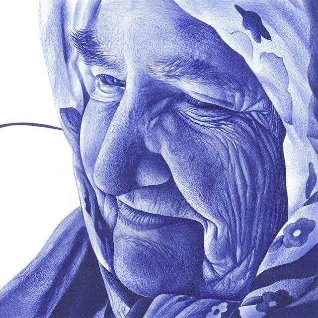 """""""Arrugas en la piel marcadas, por todos los años vividos... #miradazul #chemamora #bic #boligrafo #ballpointpen #ancianos"""""""