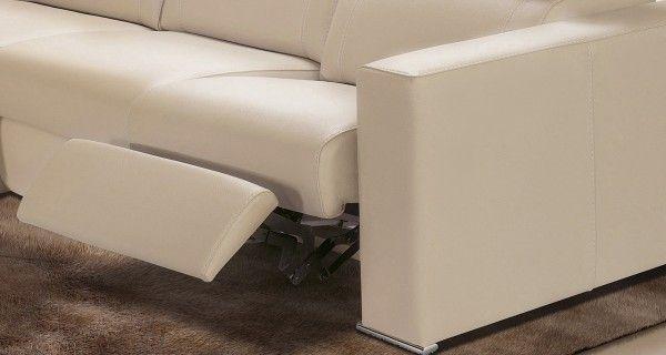 SOFÁ NATALIA. Sofá relax modular con respaldo reclinable y reposapiés. Motor relax opcional. Posibilidad de arcón extraíble en chaise longue