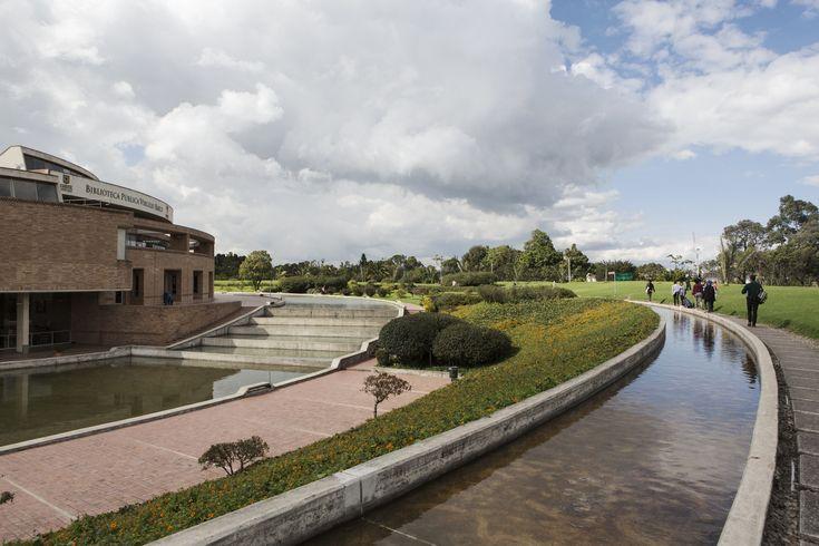 Galería de Clásicos de Arquitectura: Biblioteca Virgilio Barco / Rogelio Salmona - 4