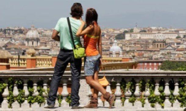 Nel 2016 sono stati superati per la prima volta le 400 milioni di presenze turistiche in Italia. Sono stati registrati 402 milioni, di cui il 50,4%