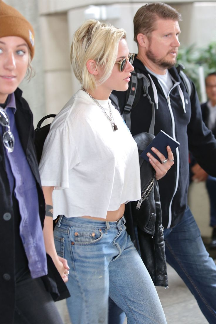 kristen stewart alicia cargile dating Kristen stewart dons a shirt that says no rules while running errands in los feliz, calif with alicia cargile.