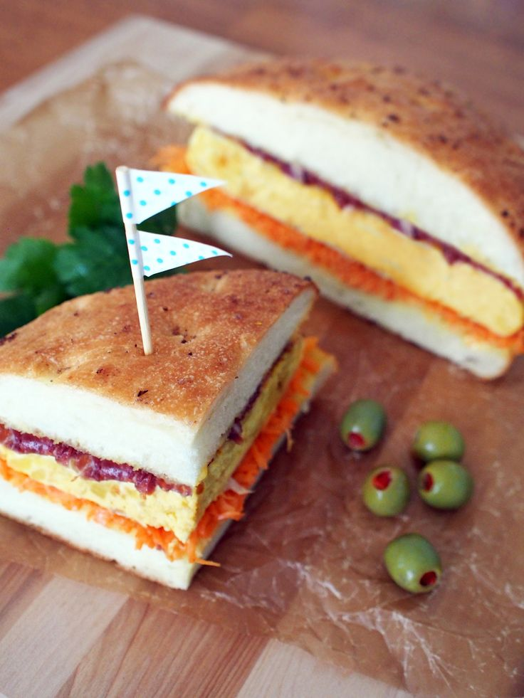 オムレツ丸ごと!スペイン風わんぱくサンド by 加瀬 まなみ | レシピサイト「Nadia | ナディア」プロの料理を無料で検索