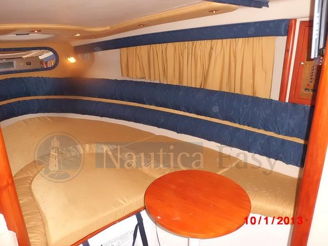 Saver 330 Sport Dinette by Nautica Easy, via Flickr    Saver 330 Sport - natante   Anno costruzione: 2007   Anno immatricolazione: 2008  Motori 2xMCM 5.0 L benzina    www.nauticaeasy.com for more information / per maggiori informazioni
