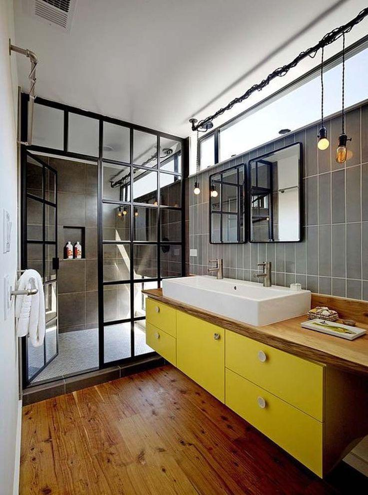 Decoração. Banheiro. Madeira, cinza e amarelo. Industrial. Escandinavo. Minimalista.