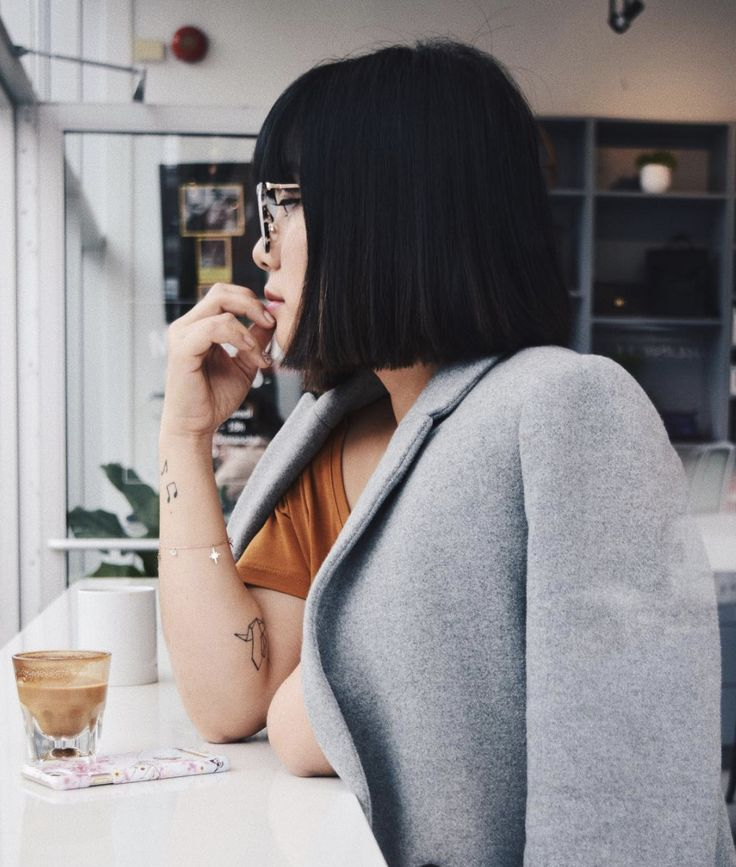 Our lovely @thequeeniesee enjoying the Northern Star Bracelet with a cup of coffee 💫 What are your Sunday plans? 👀👋