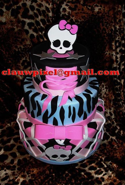 Monster High. by Vintage Studio. Artes Plásticas e E.V.A., via Flickr: Cakes Ideas, B Cakes, Cakes Inspiration, Cakes Decor, Cakes Design, Bday Cakes, Cakes Galas, Birthday Cakes, Monsters High Cakes