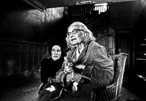 Edie beale diagnosis edith bouvier beale and her - Edith bouvier beale grey gardens ...