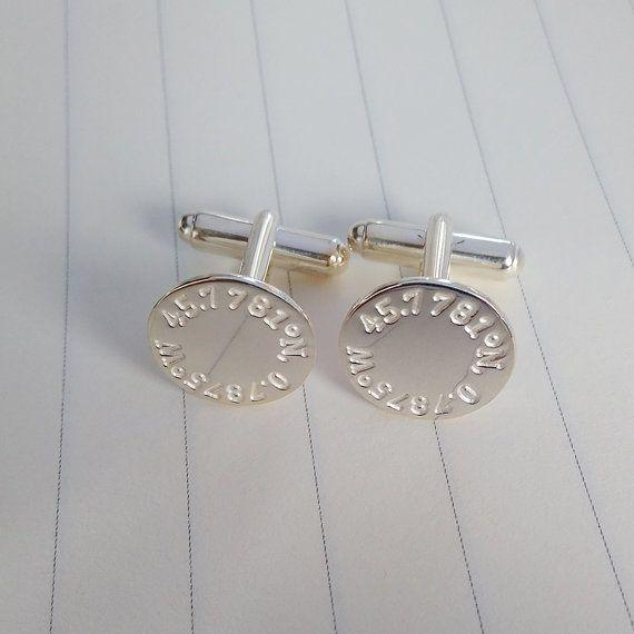 Engraved koordiniert Manschettenknöpfe, Breitengrad Längengrad Hochzeit Manschettenknöpfe, personalisierte Manschettenknöpfe graviert koordinieren