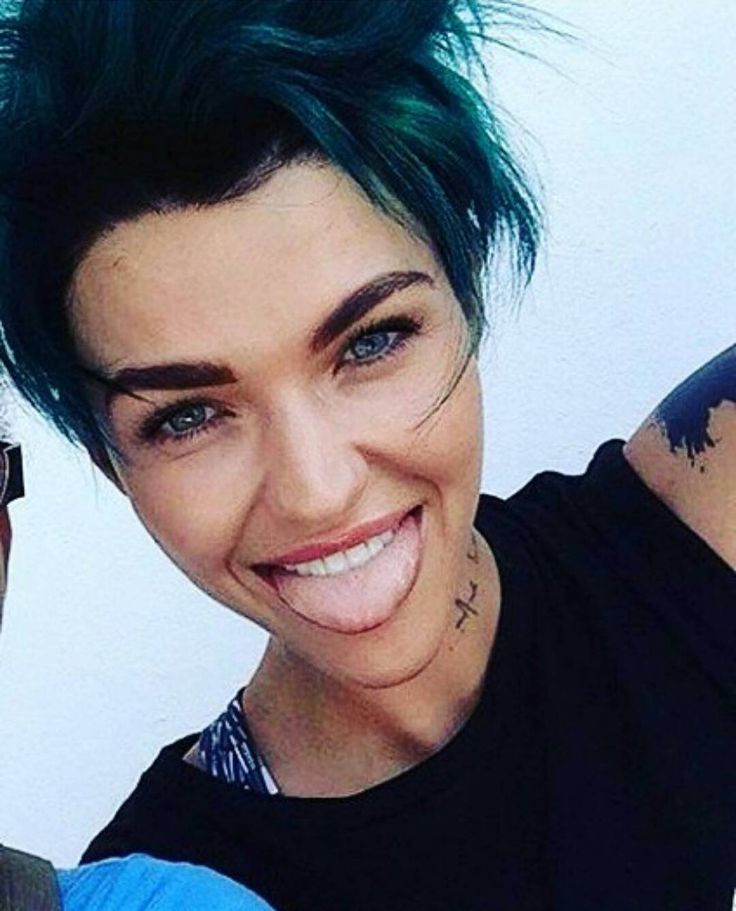When you dye your hair an outrageous colour but you can just casually pull it off coz you're Ruby Rose.