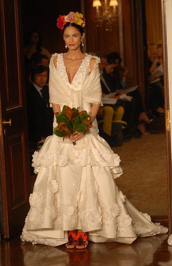 Carolina Herrera Frida wedding dress Inspiration  - for more on Mexico visit www.mainlymexican.com # Mexico #Mexican #fashion