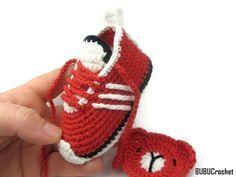 Uncinetto Adidas Scarpe da tennis ispirate, handmade, maglia, swoosh, all'uncinetto, baby, stivaletti, scarpe, bambino adidas, scarpe da ginnastica