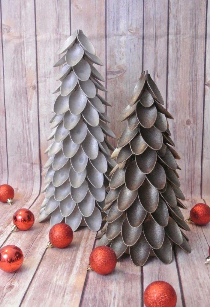 Hoe maak ik een plastic lepel kerstboom DIY