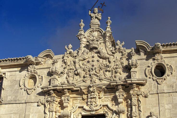 Detalle de la portada principal del Monasterio de Uclés/Detail of the main front of the Monastery of Uclés #DescubreCuenca