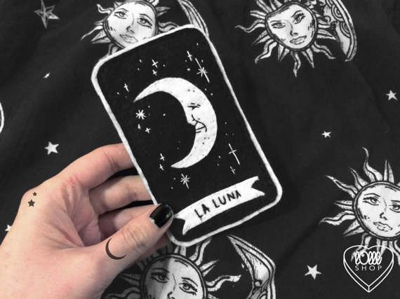 tarot patch ♦ completely hand-embroidered