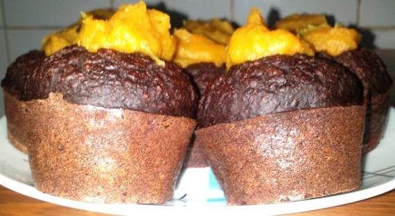 Muffins de abóbora e cacau magro com cobertura de caramelo de maçã