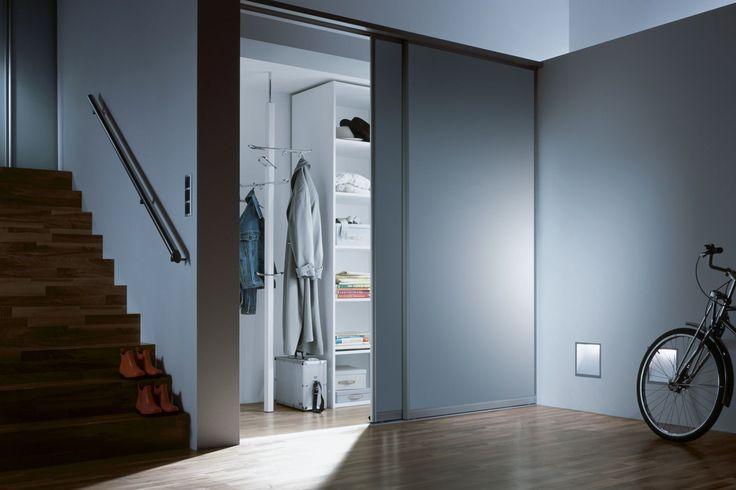 pur schiebet ren gestalten ihre garderobenl sung. Black Bedroom Furniture Sets. Home Design Ideas
