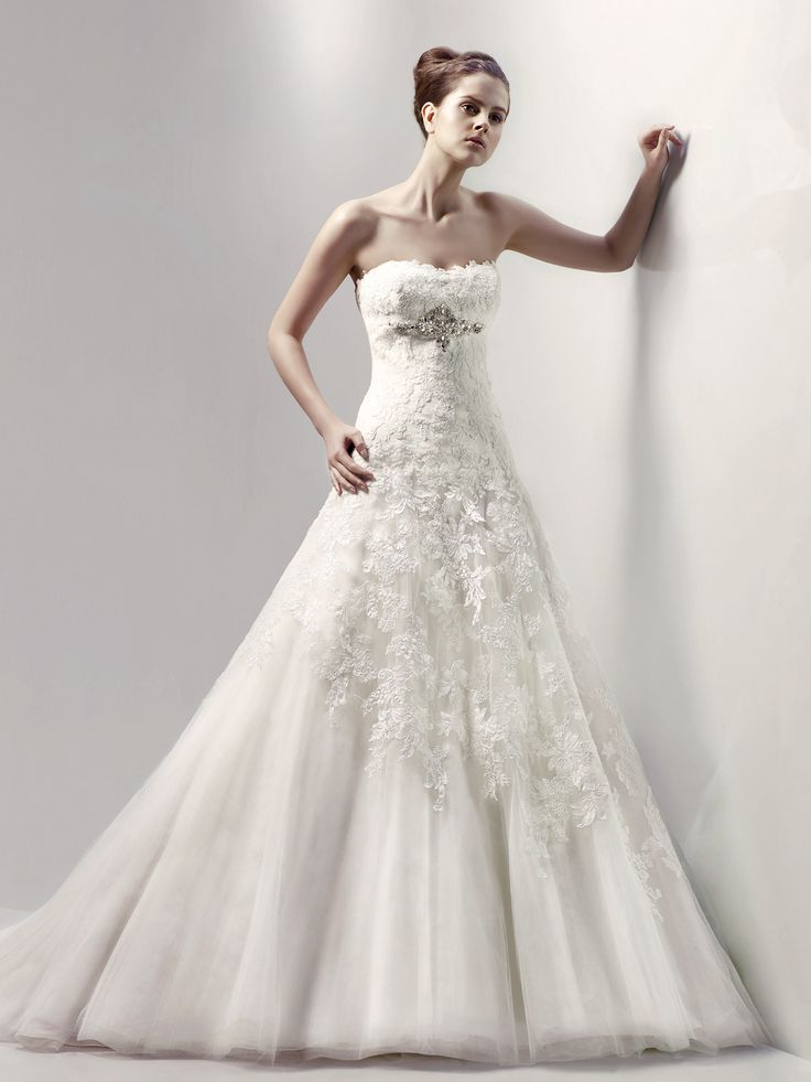 107 best Wedding Dresses images on Pinterest | Wedding frocks ...