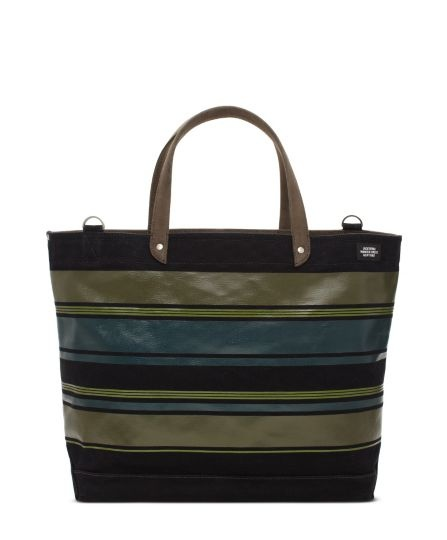 Jack Spade can do no wrong by me. If i had more closets, I'd own every bag.