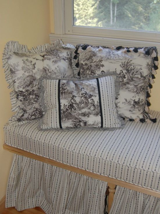 Bedroom Decorating Ideas Totally Toile: 27 Best Toile Bedrooms Images On Pinterest