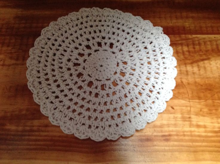 Doily made from thin rope.
